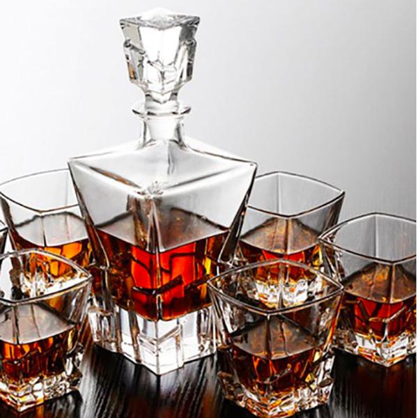 Luxury Crystal Whiskey Decanter Set