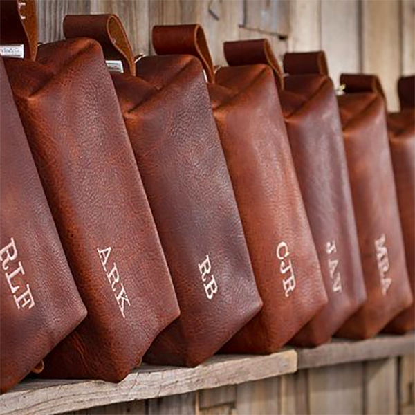 personalized leather travel kits